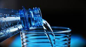 Agua-botella-700